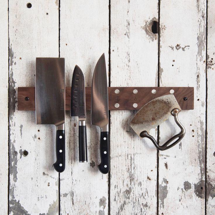 Porte couteau de salle à manger, porte-couteau bois, bloc de couteaux magnétique, porte-couteau, couteau Grabber, rangement cuisine, bois récupéré, Peg et poinçon par PegandAwl sur Etsy https://www.etsy.com/fr/listing/232307024/porte-couteau-de-salle-a-manger-porte
