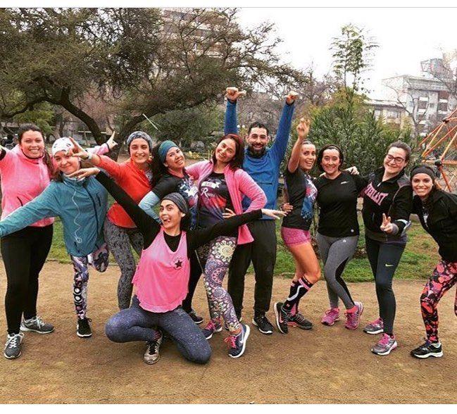 Ellas súper motivadas y con una gran sonrisa antes de salir a correr Felicitaciones a este equipazo @she_runs_team #running #run #runner #runners #runnerscomunity #runnergirl #runningwoman #runhappy #mujeresrunnersla #runningmotivation