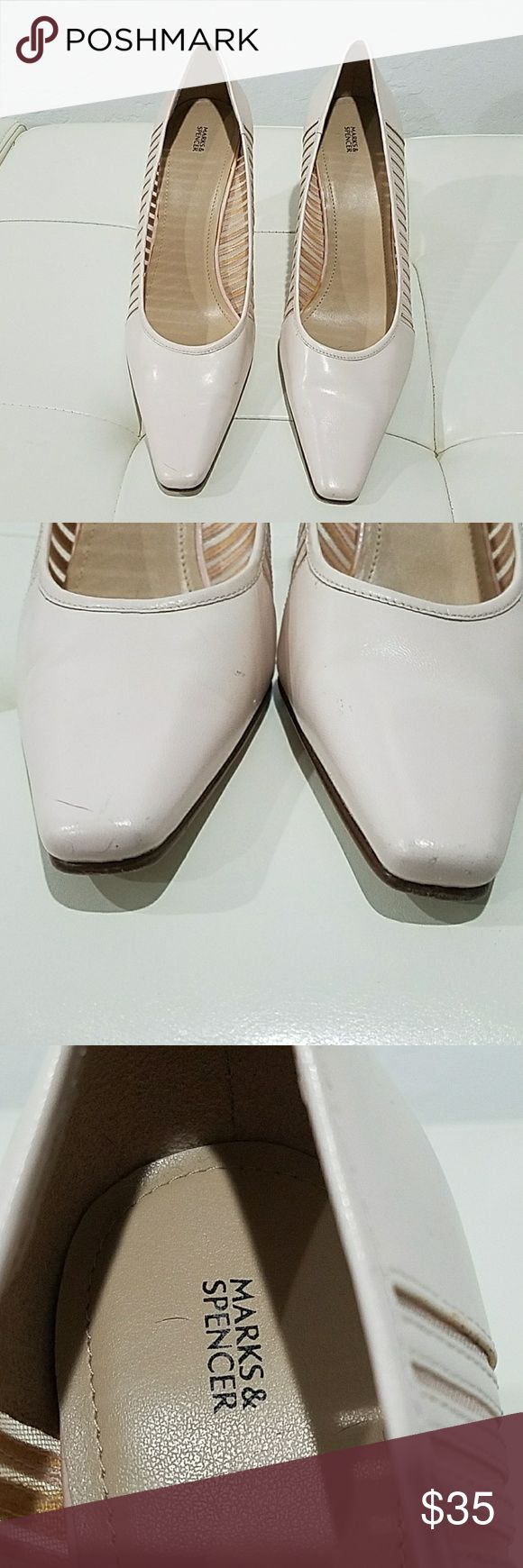 Marks & Spencer Classic Ivory Heel Great for the office, this cream heel looks fantastic on, does have a bit of a light  smudge on the side will have to look close to see it, size 39, fits 8 and 1/2 to 9, tiny squeek in heel Marks & Spencer Shoes Heels
