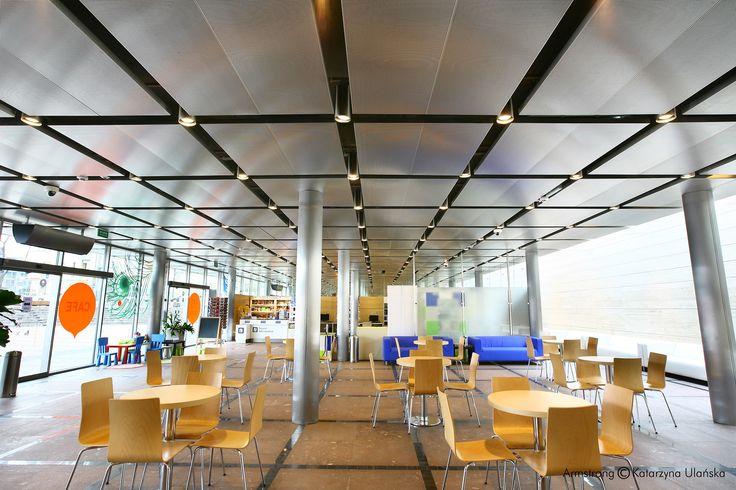 Restauracja w Centrum Obsługi Ruchu Turystycznego (CORT) Kraków, Armstrong, sufity podwieszane, ceiling, sufit metalowy