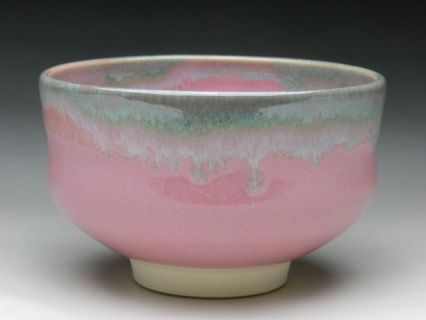 SIZE: L12cm x H7.5cm    WEIGHT: 300g    COLOR: PINK    BACKGROUND  Kyo and Kiyoimizu ware are general terms for pottery made in Kyoto, consisting of two types: ceramicware known as earth ware and porcelain known as stone ware. Many varieties of pottery are made here using superior designs and advanced techniques. The history of Kyo and Kiyomizu ware is long, with production believed to have started in the latter half of the 5th century, reaching its peak in around the mid-17th century...