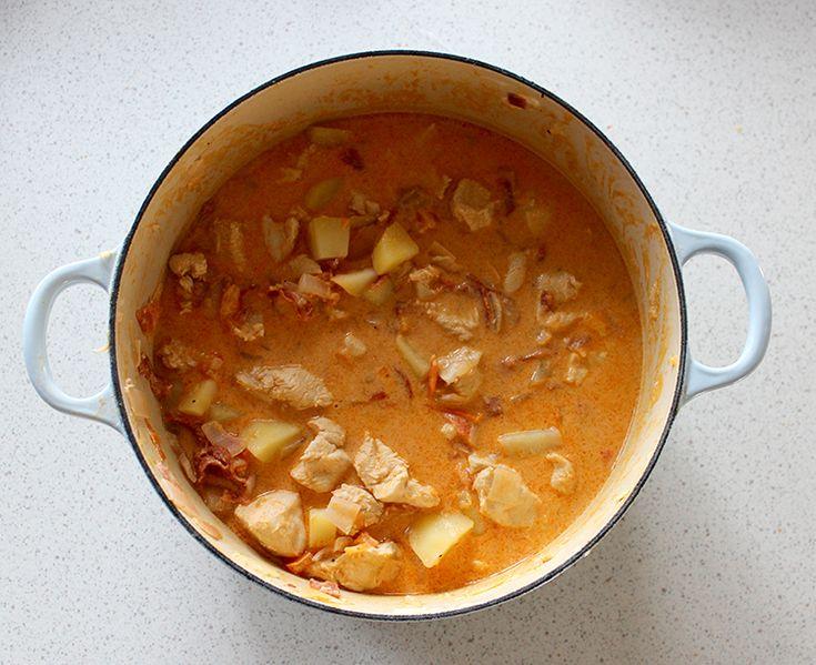 Kylling og chorizo i chili- og appelsinsaus