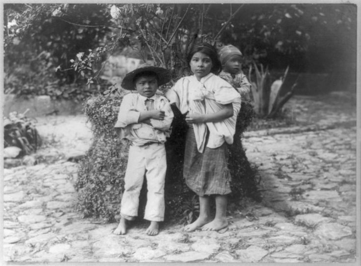 Tres niños indígenas, Guatemala — Visor — Biblioteca Digital Mundial