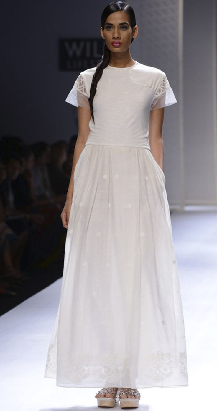 Hand woven jamdani long dress by RAHUL MISHRA. http://www.perniaspopupshop.com/wills-fashion-week/rahul-mishra #fashionweek #willslifestyleindiafashionweek