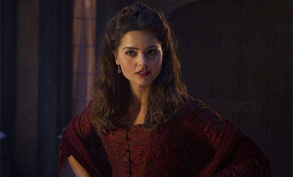 Clara... ye gods and monsters she is beautiful.