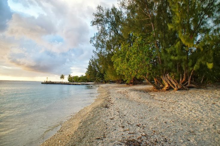 By Mesture: Postcards from Huahine