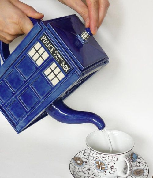 I want one!!! :)Teas Time, The Tardis, Gift Ideas, Tardis Teapots, Doctorwho, Teas Pots, Doctors Who, Products Design, Tardis Teas