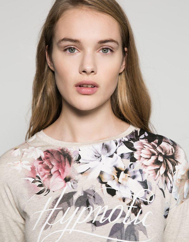 Maglietta asimmetrica con stampa floreale - T- Shirts - Bershka Italy