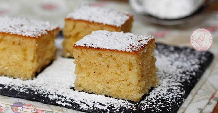 La torta nel frullatore una torta morbida, umida e velocissima da preparare. Sporcherete pochissimo e ci metterete poco tempo a prepararla.