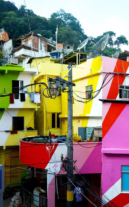 Turning An Entire Rio Favela Into A Giant Work Of Brightly Painted Art