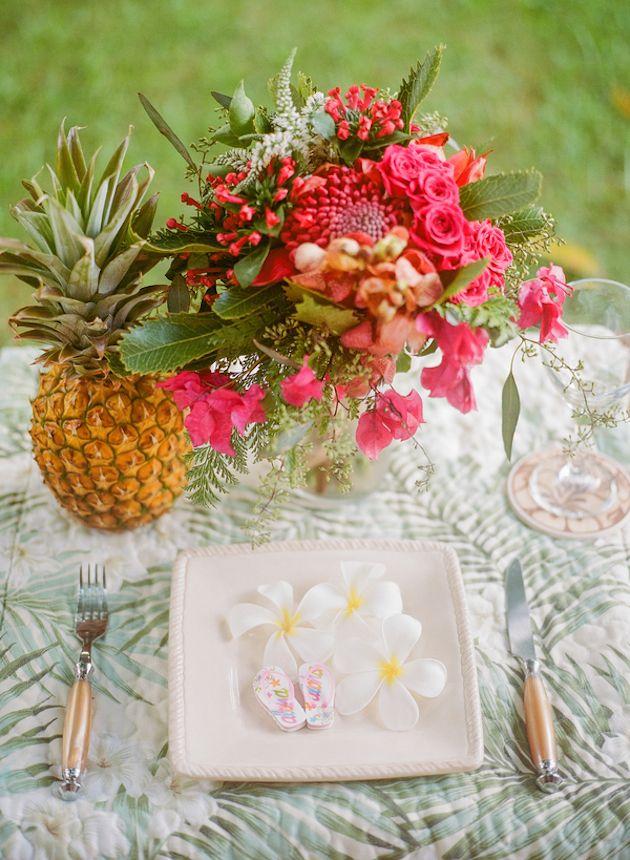 Tropical Hawaiian Bridal Inspiration | WarmPhoto Photography | Bridal Musings Wedding Blog 4