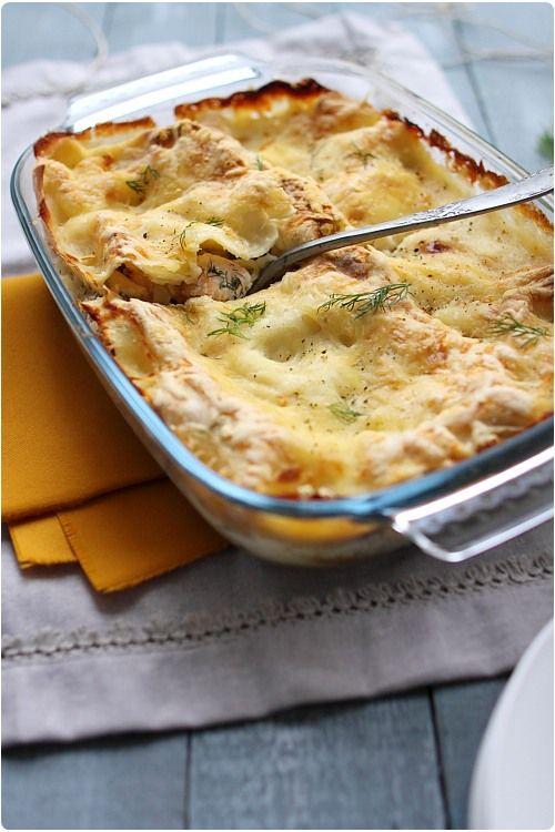 J'aime varier les recettes de lasagne et vous le constaterez facilement dans mon index. Je n'en avais encore jamais fait avec du saumon. J'ai marié du saum