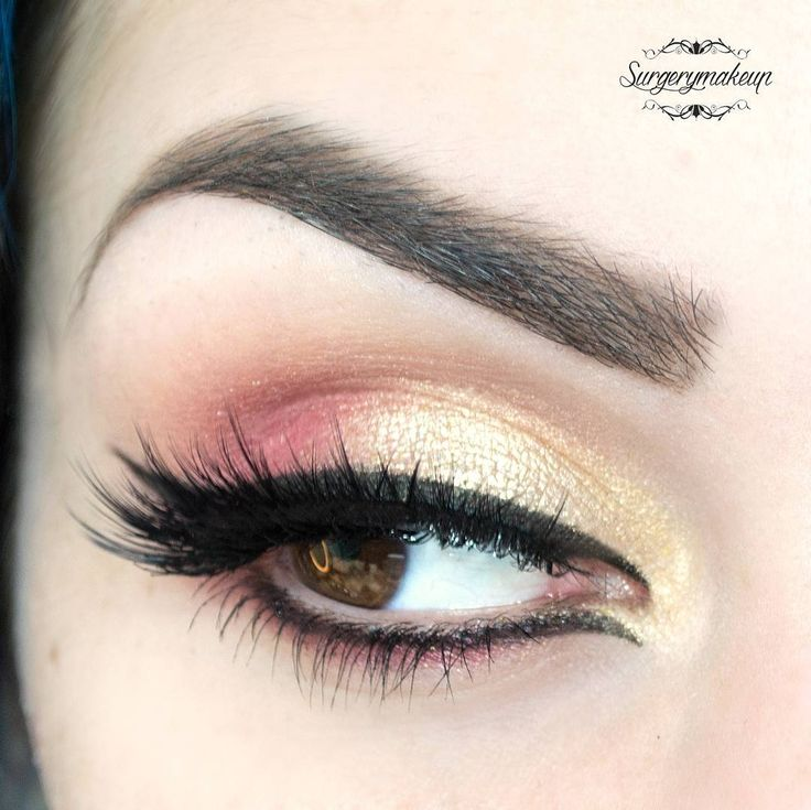 Fresh look for spring season with peach and gold eyeshadows and black eyeliner.