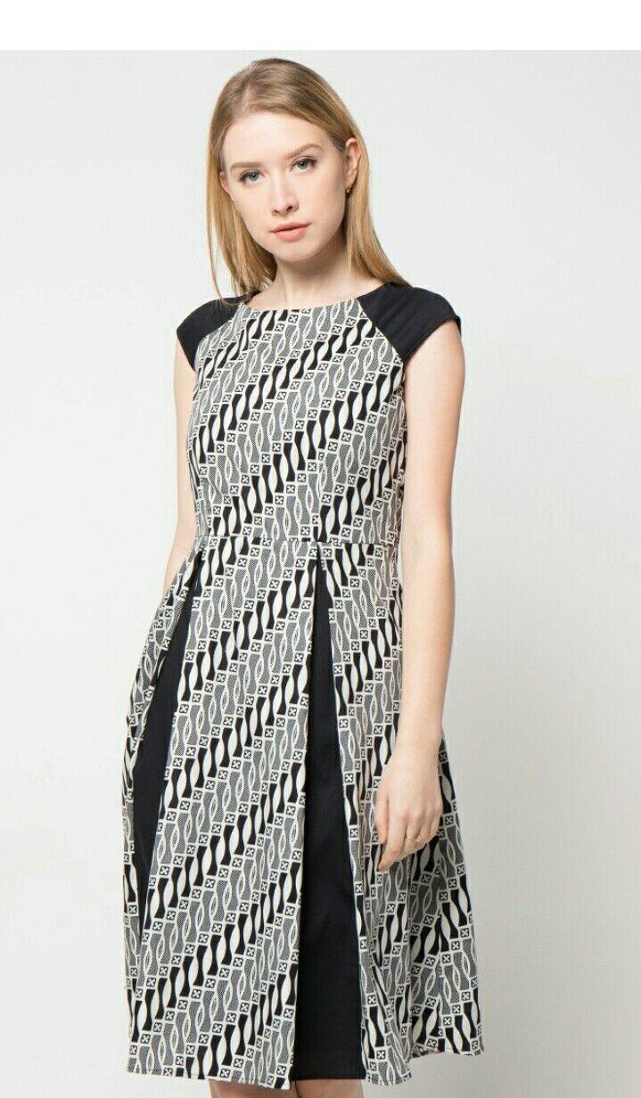 Short Sleeve Cotton Print Dress from Bateeq a265dd3b21