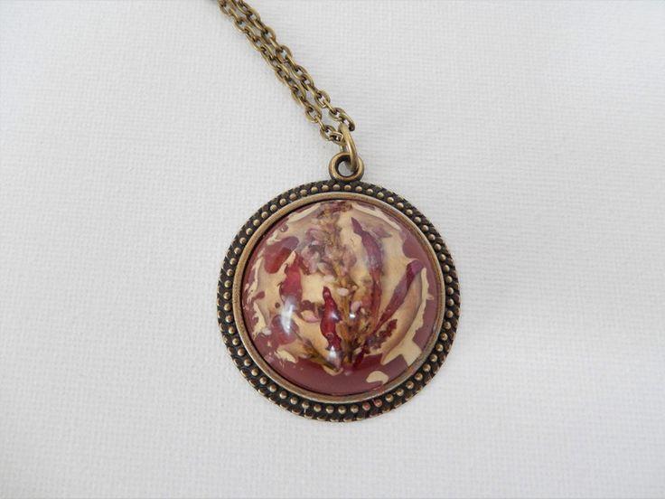 Medaillonketten - bronzefarbenes Medaillon Kette rot Resin Harz - ein Designerstück von Biggis-Art bei DaWanda