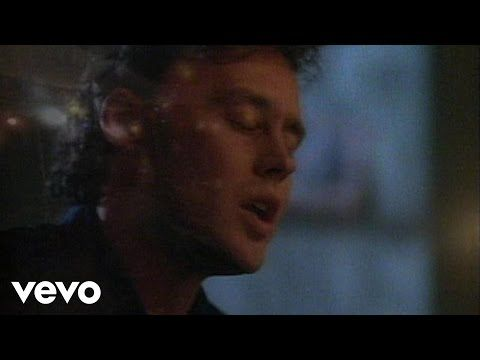 {{{ MANDOLIN RAIN }}}    ~~~BRUCE HORNSBY/THE RANGE~~~ How can a song be so sad that I DON'T want to shut it off? I would love to hear him do this tune, backed by a full orchestra. Strings, horns, harp, violins, all of it with him singing.