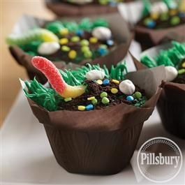 #KatieSheaDesign ♡❤ ❥  Squirmy Worm Dirt Cupcakes from Pillsbury® Baking