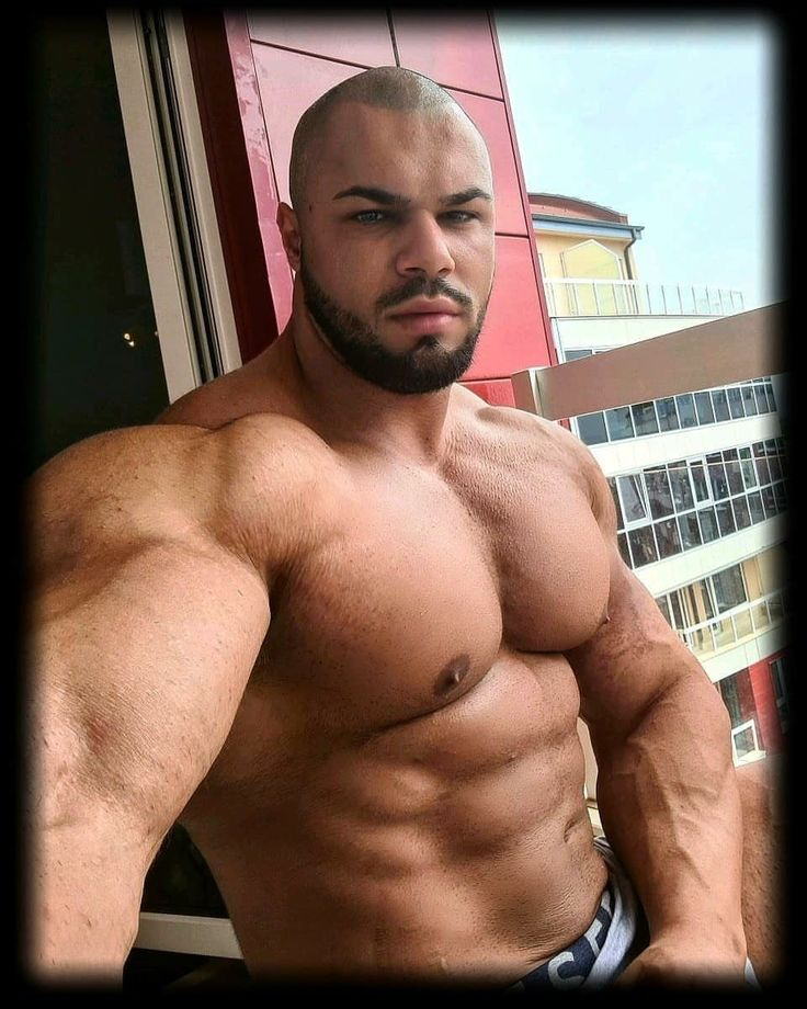 Pin by M2M Wrestling on Casual Hunk   Muscular men, Muscle