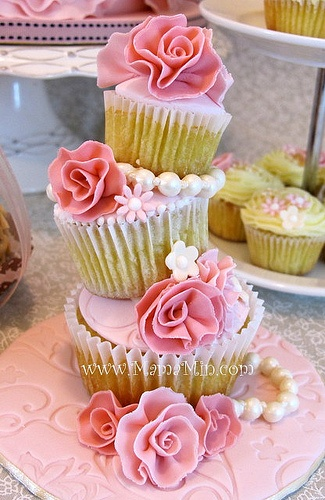 209 best images about STACKED COOKIE & CUPCAKE IDEAS on ...