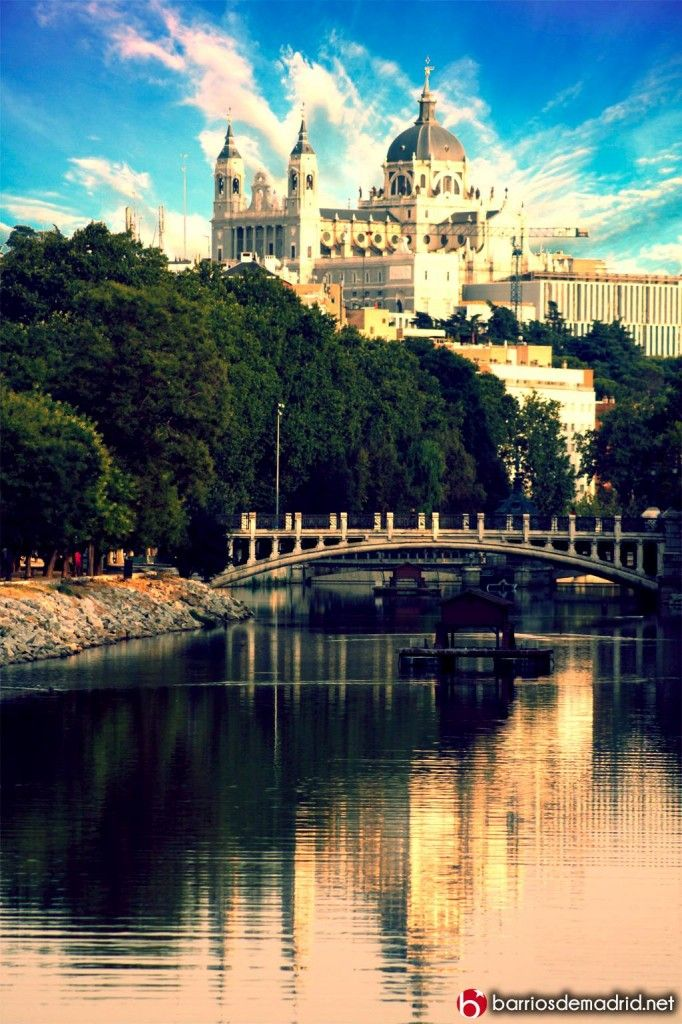 Catedral de la Alumdena , rio manzanares Madrid Spain #SpainmiespañaI