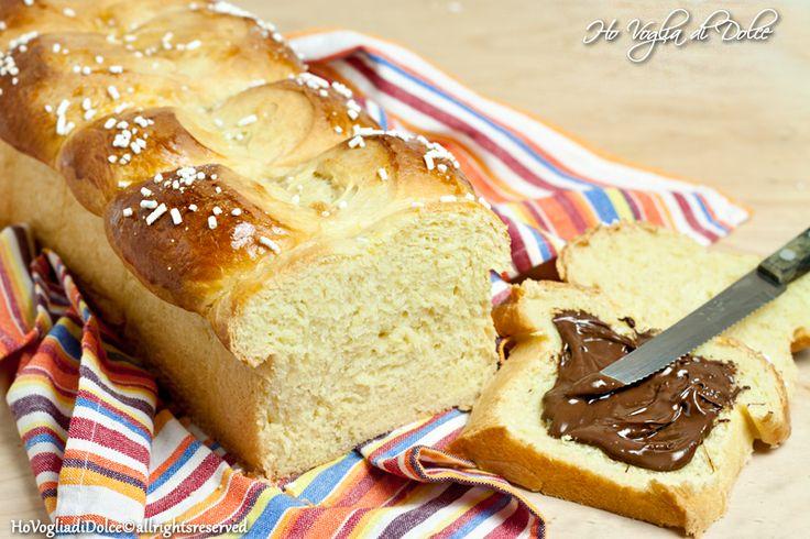 Pan brioche dolce, ideale per la colazione e per la merenda. Sofficissimo e burroso al punto giusto, una nuvola soffice di bontà, ideale per compleanni e ricorrenze