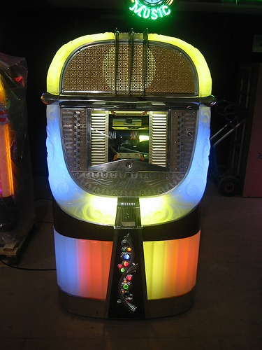 17 best images about vintage jukebox on. Black Bedroom Furniture Sets. Home Design Ideas