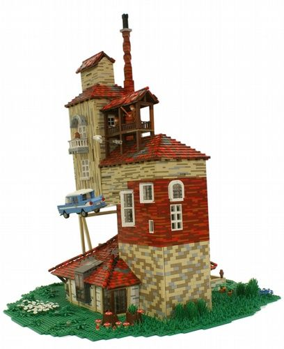 #LEGO The Burrow.  Harry Potter.  Click through for more pics.
