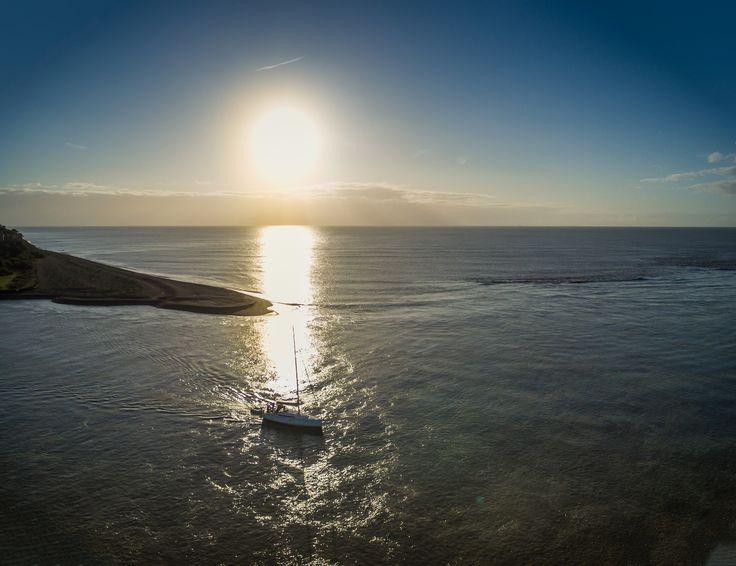 https://flic.kr/p/y6pw4L | Sailboat leaving the Deben