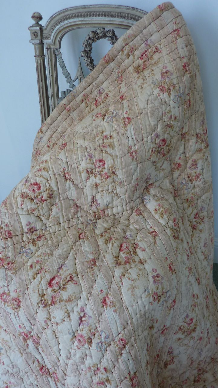French faded grandeur~Beautiful, French 19th-C, Vintage Quilt~❥