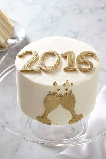Cutest. New Year's Eve Cake. EVER! #2016 #Cheers #HappyNewYear