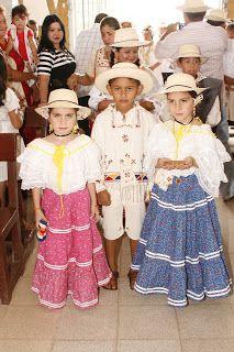 Ocú kids traditional wear.