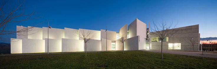 Galería de Facultad de Ciencias de la Salud en la Universidad San Jorge / Taller Básico de Arquitectura - 19
