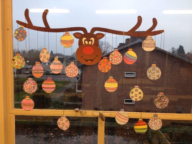 Leuke knutsel opdracht voor de kerst. Op de achterkant staat een kerstwens voor iedere leerling in de klas!