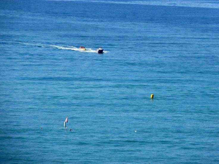 Bananenboot in Side Türkei http://ift.tt/1NRrCBM