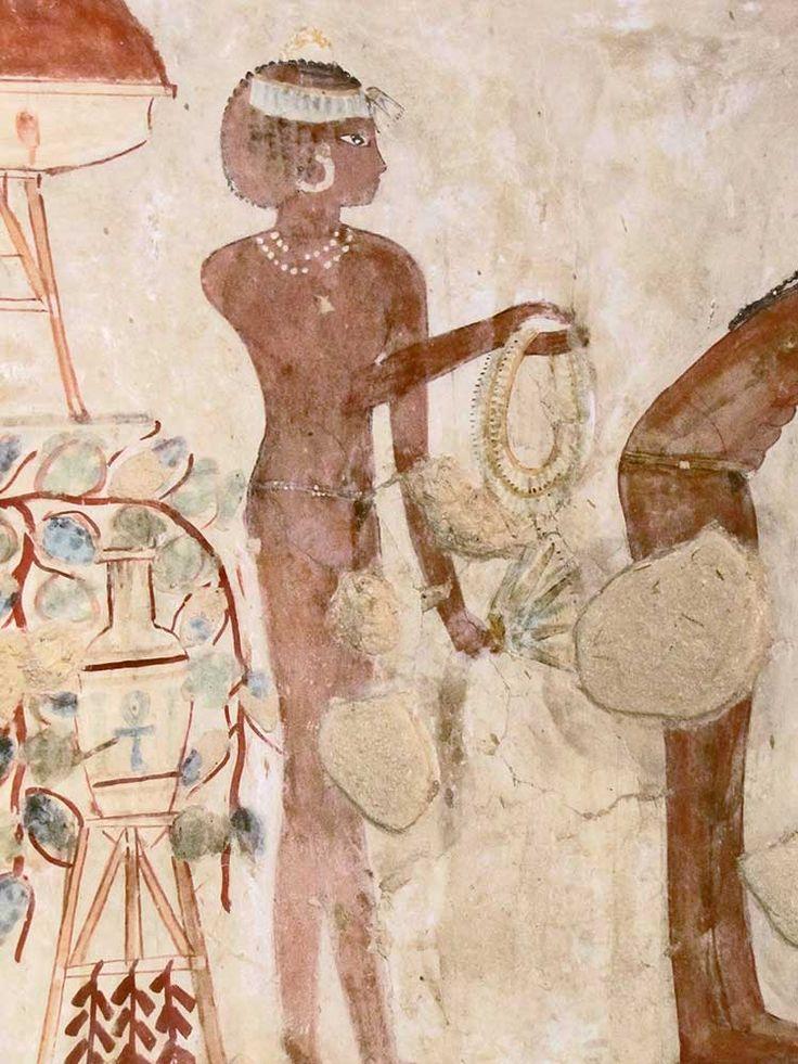 Tomb of Djeserkareseneb (TT38), reign of Thutmose IV or early Amenhotep III: female attendant © OSIRISNET.NET
