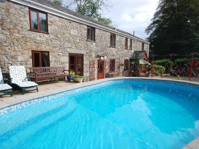 Prideaux Barn, St Blazey, Cornwall, England, Sleeps 8, Bedrooms 4, Self-Catering Holiday Cottage, Pet Friendly.