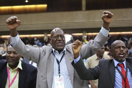 Harare - Zanu PF Members of Parliament (MP) were on Monday locked in a meeting that started at 4pm as the party prepares to whip its legislators into line ahead of the vote of no confidence in President Robert Mugabe, which they plan to institute in the House of Assembly.