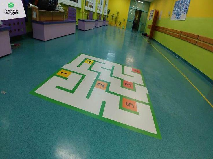 Najlepsze gry korytarzowe, kreatywne strefy gier ceny, gry korytarzowe cena, kreatywne gry korytarzowe, gry na korytarz szkolny, gry podłogowe, szkolne gry korytarzowe, child, primary school, primary, teachers, playground games, kindergarden, hopscotch, corridors,