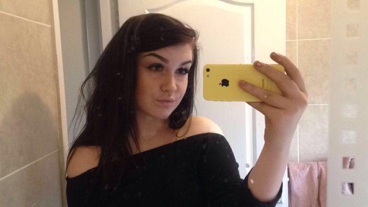 Pin by Liv on Hollyh in 2020   Mirror selfie, Selfie, Mirror