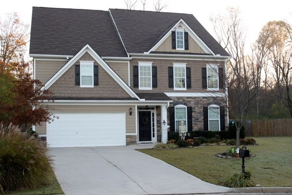Seeking exterior paint colors for my house. Siding (Main Color ...