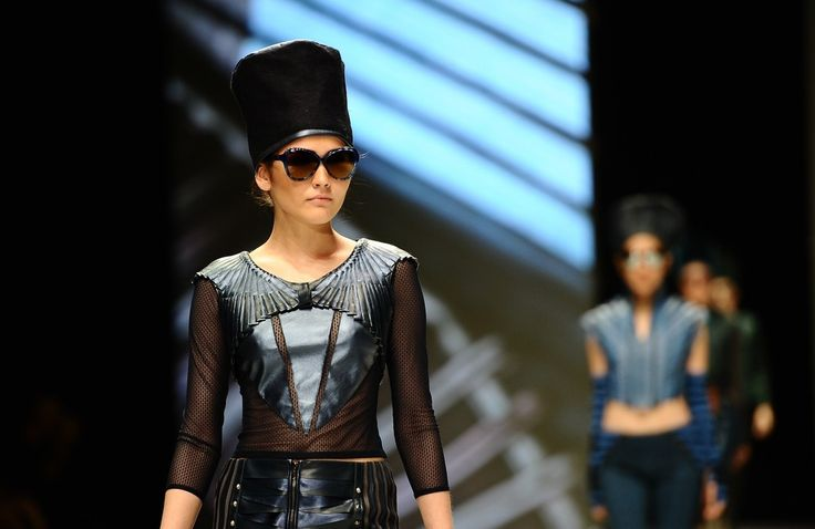 http://www.zimbio.com/pictures/XekggnDd7rY/Indonesia Fashion Week 2014/8j8KMlhaIMw