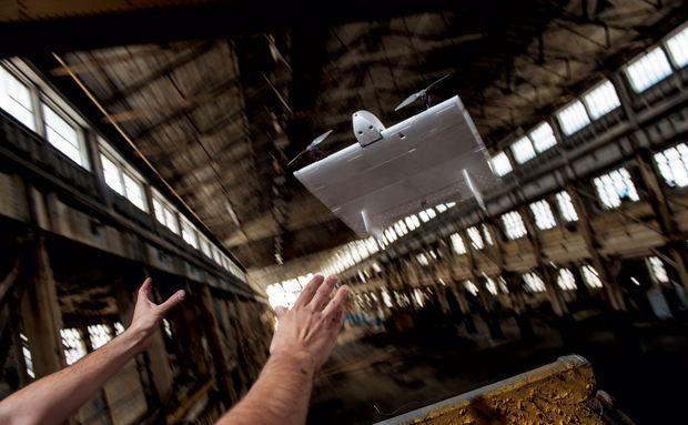 NG - Aurora Skate Ágil o bastante para voar em uma fábrica abandonada, o Skate é feito para reconhecimento de paisagens urbanas, como uma cidade peruana do século 16 (no destaque), estudada por arqueólogos da Universidade Vanderbilt.