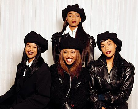 En Vogue rocking the dark colored lipstick