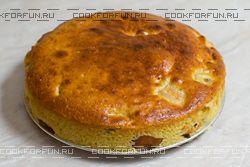 Бананово-яблочный пирог (с сайта www.cookforfun.ru)