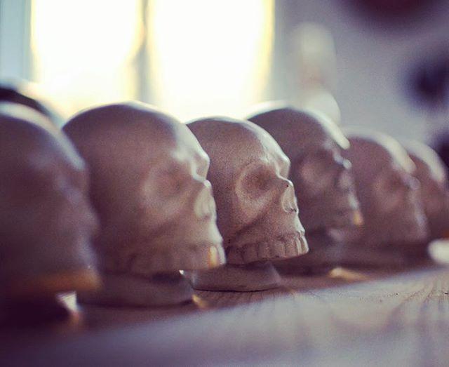 #concretedesign #skull #handmade #interiordesign #custom #jmonier #goldtooth