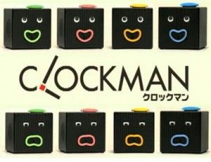 """Allora potete provare """"Clockman"""", una sveglia realizzata dal fornitore giapponese di giocattoli Takara Tomy, con la particolarità di essere un vero e proprio orologio parlante, che ci sveglierà con la sua voce e le sue mille espressioni divertenti.  Questo orologio è in grado infatti di parlare, di muovere gli occhi, la bocca, e lo fa in modo diverso a seconda del suo gruppo sanguigno."""