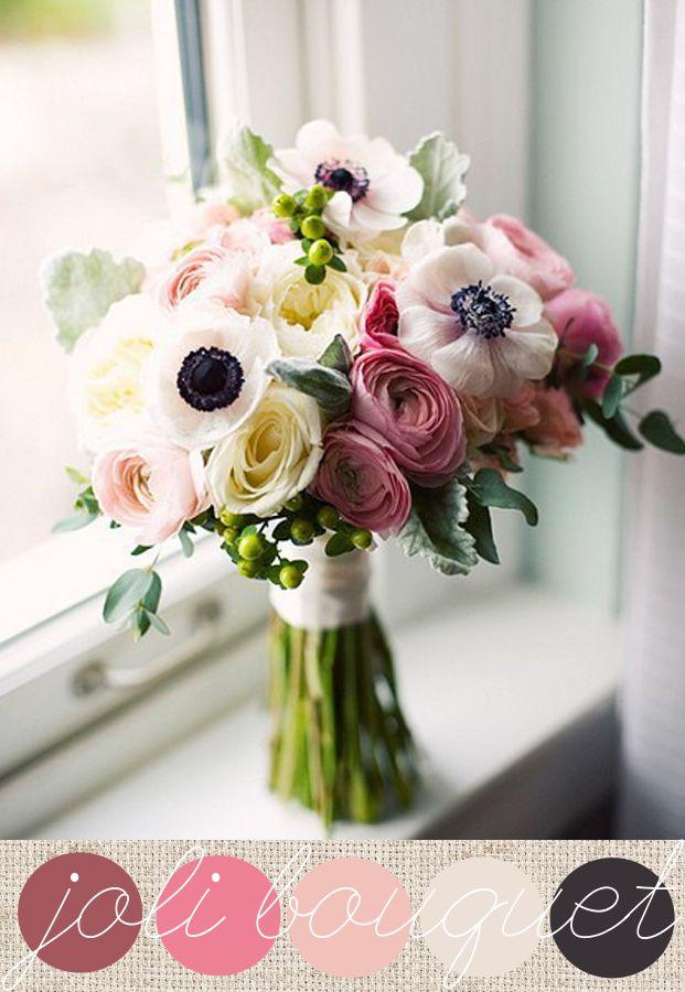 Avec le froid arrivent sur les étals de vos fleuristes les jolies fleurs de l'hiver comme les renoncules délicates et les anémones au coeur noir. J'aime les mariages en hiver….