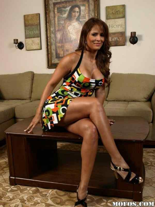 Pictures of latina milfs