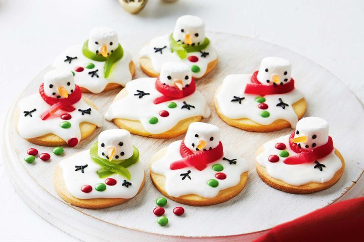 Melted snowmen biscuits: Get creative in the kitchen and try one these delicious melted snowmen biscuits.