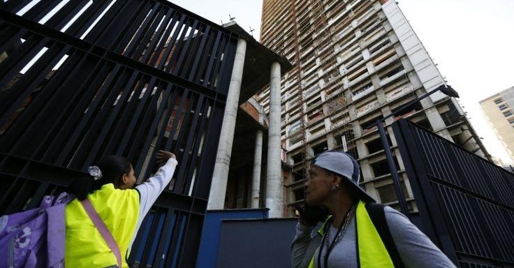 Maior favela vertical do mundo é desocupada por governo Venezuelano